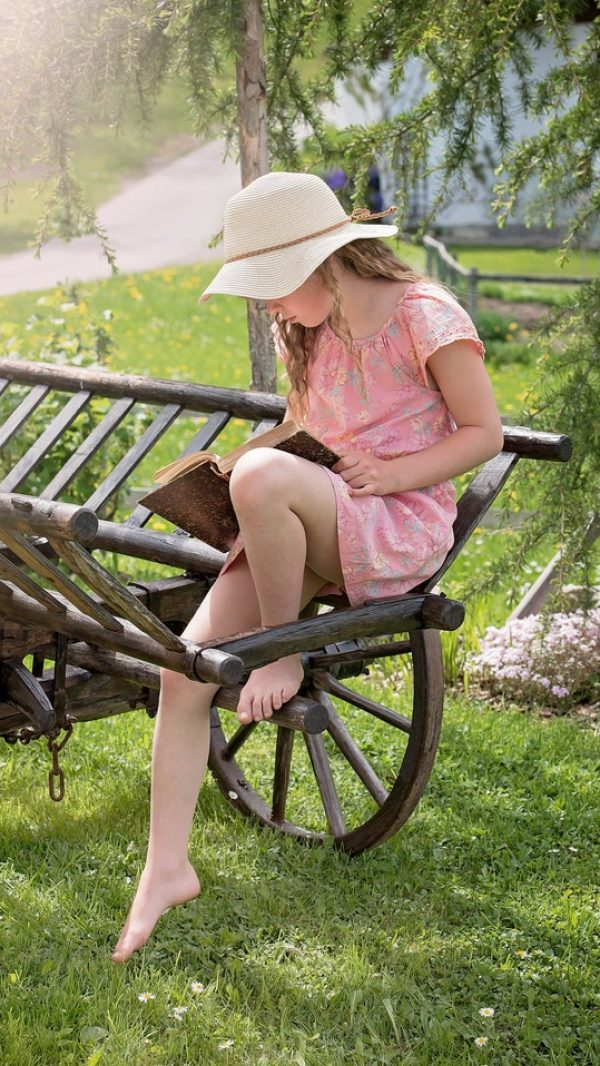 beach-hat-beautiful-book-child-261960